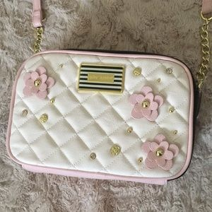 NEW Betsey Johnson quilted flower crossbody purse